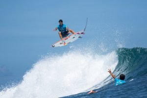 Gabriel Medina and Jonathan Gonzalez Put On A Show at Krui Pro