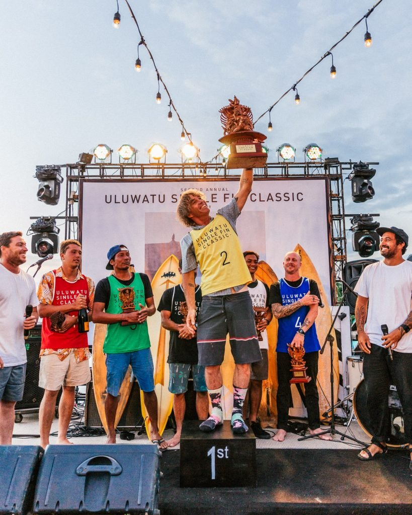 Ozzie Wright Hoists the Uluwatu Single Fin Classic Championship Trophy