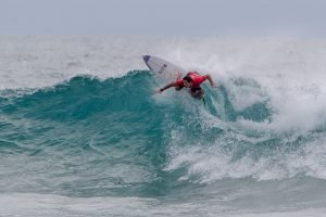 Top Seeds Battle Bumpy Conditions on Day 3 of The So Sri Lanka Pro