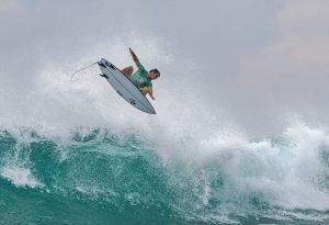 Big Performances and Bigger Scores Decide Quarterfinalists at So Sri Lanka Pro
