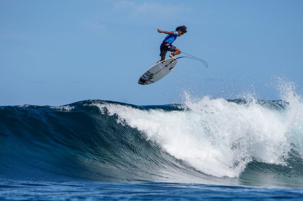 Progressive Performances Decide Quarterfinalists at Siargao Cloud 9 Surfing Cup